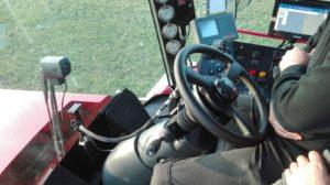 In opdracht van Loon- en grondverzetbedrijf Th.W. Mateman de Vervaet voorzien van een TRIMBLE GFX-750 stuurautomaat.